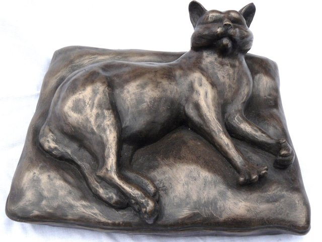 bronze cat figure